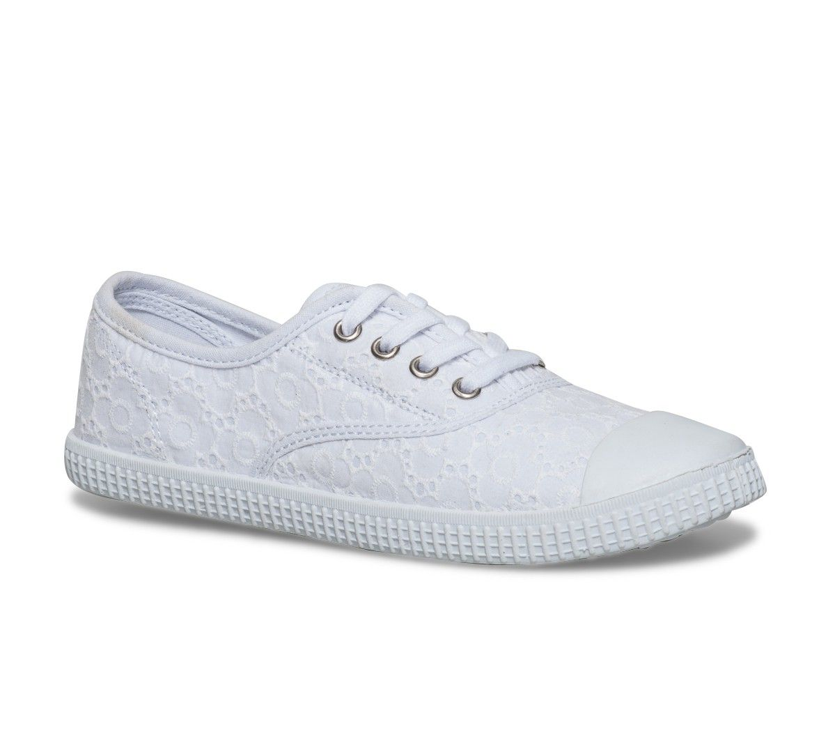 6988971202ad0 Tennis toile brodée blanche - Toiles / Tennis - Chaussures femme ...