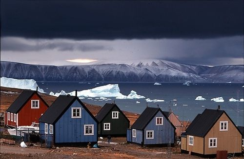 ghost-man-blues:    Houses in Greenland