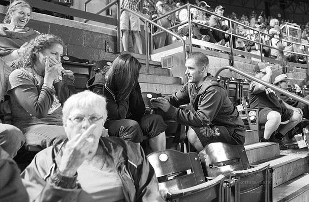 Moments Ruined: Proposal at the Ballpark   Unexpected Moments of Life - Over 12 funny photos of moments that didn't quite go as expected