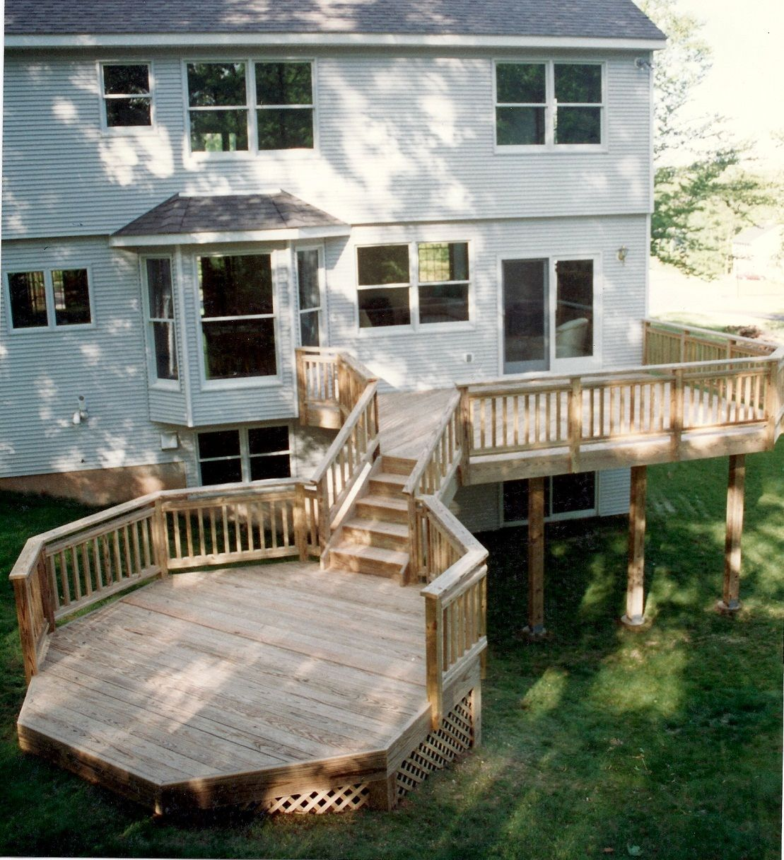 2 level and odd shape at the bottom | Backyard spaces ... on 2 Level Backyard Ideas id=37639