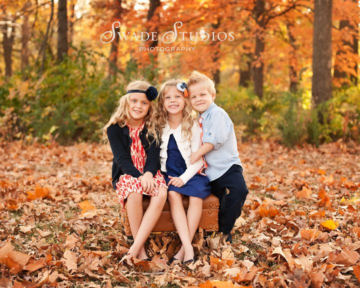 Kansas city fall family photographer swade studios