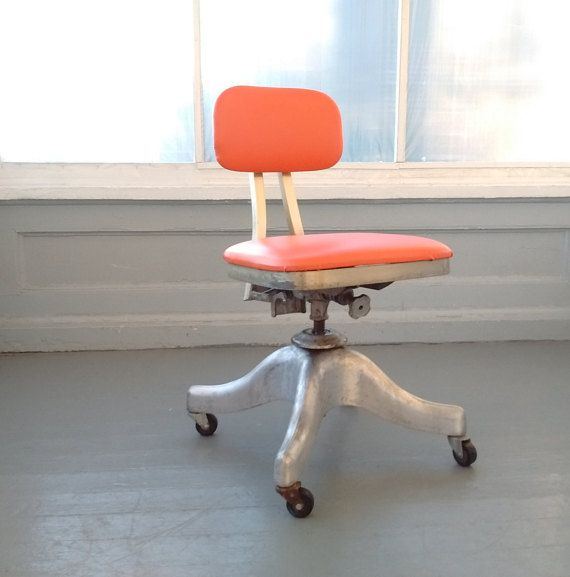 Vintage Shaw Walker Tanker Chair Office от RhymeswithDaughter