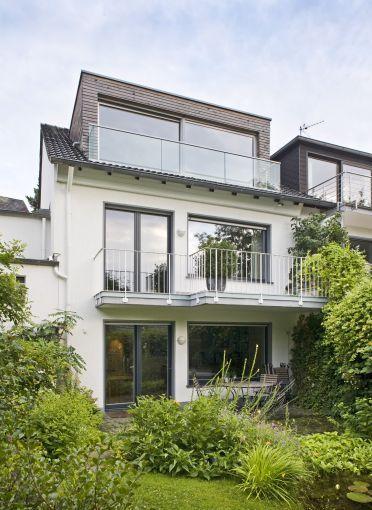 Doppelhaushälfte Sanieren sanierung doppelhaushälfte, essen 2005, gartenansicht dachgaube | c