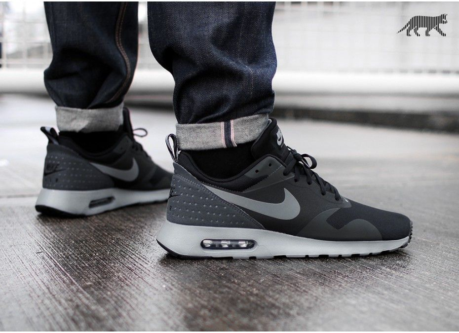 mens nike air max tavas all black