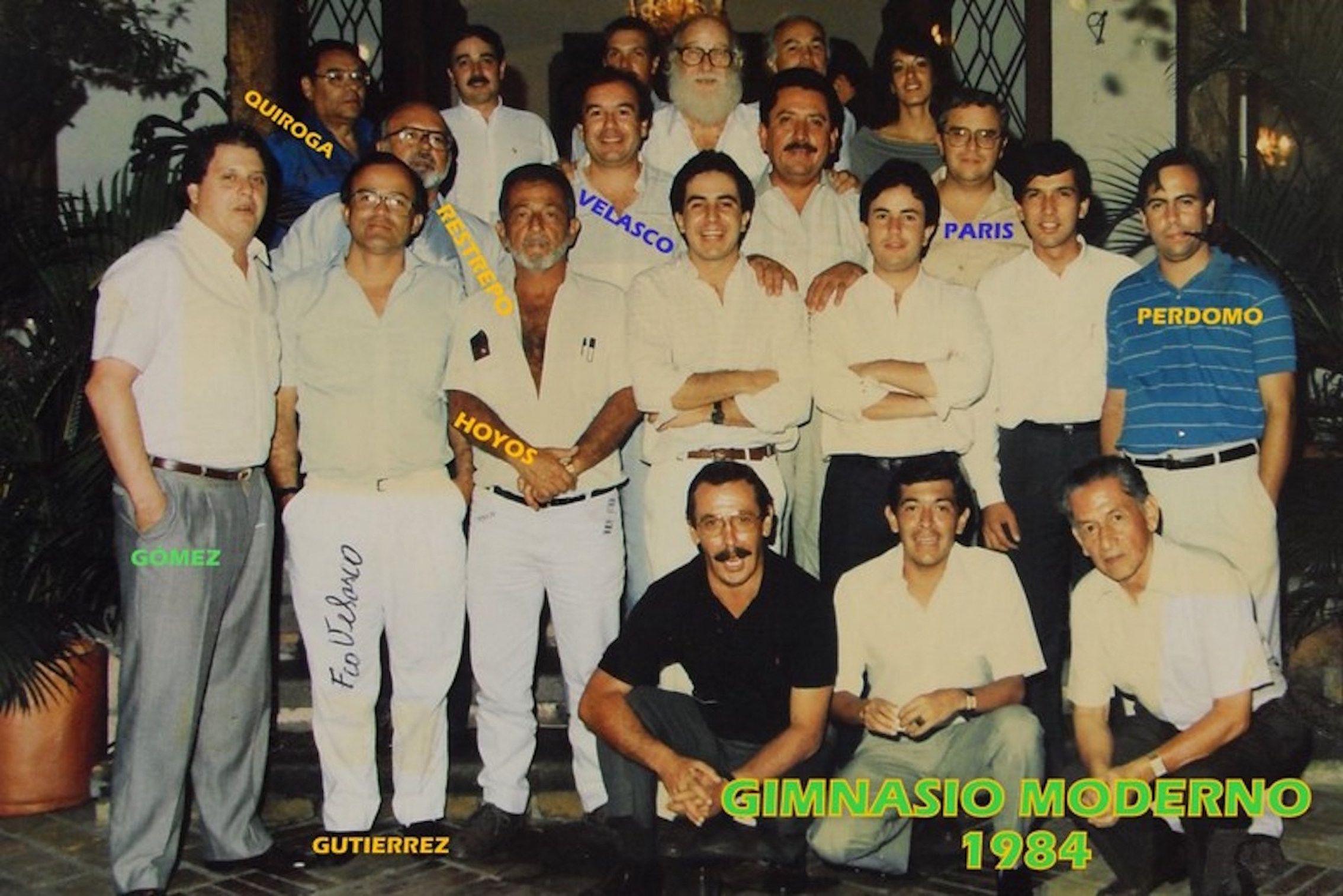 Santiago de Cali, en la casa de LUIS FERNANDO GÓMEZ GONZÁLEZ reunión de exalumnos caleños, Septiembre de 1984 — con LUIS FERNANDO GÓMEZ GONZÁLEZ, Francisco Javier Velasco Vélez, Profesor Quiroga, Alvaro Gutierrez Correa, Jorge Restrepo Potes., GUILLERMO HOYOS (q.e.p.d.),  sobrino de ANDRES CHAUSTRE, Mazabel, otro Sobrino de Andrés Chaustre., Paris y Santiago Perdomo Maldonado.