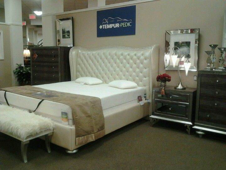 Hollywood Glamour Bedroom Set At American Signature I Am Obsesseddd