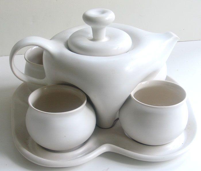VINTAGE 7 PC PORCELAIN TEA SET PETER SAENGER - pottery