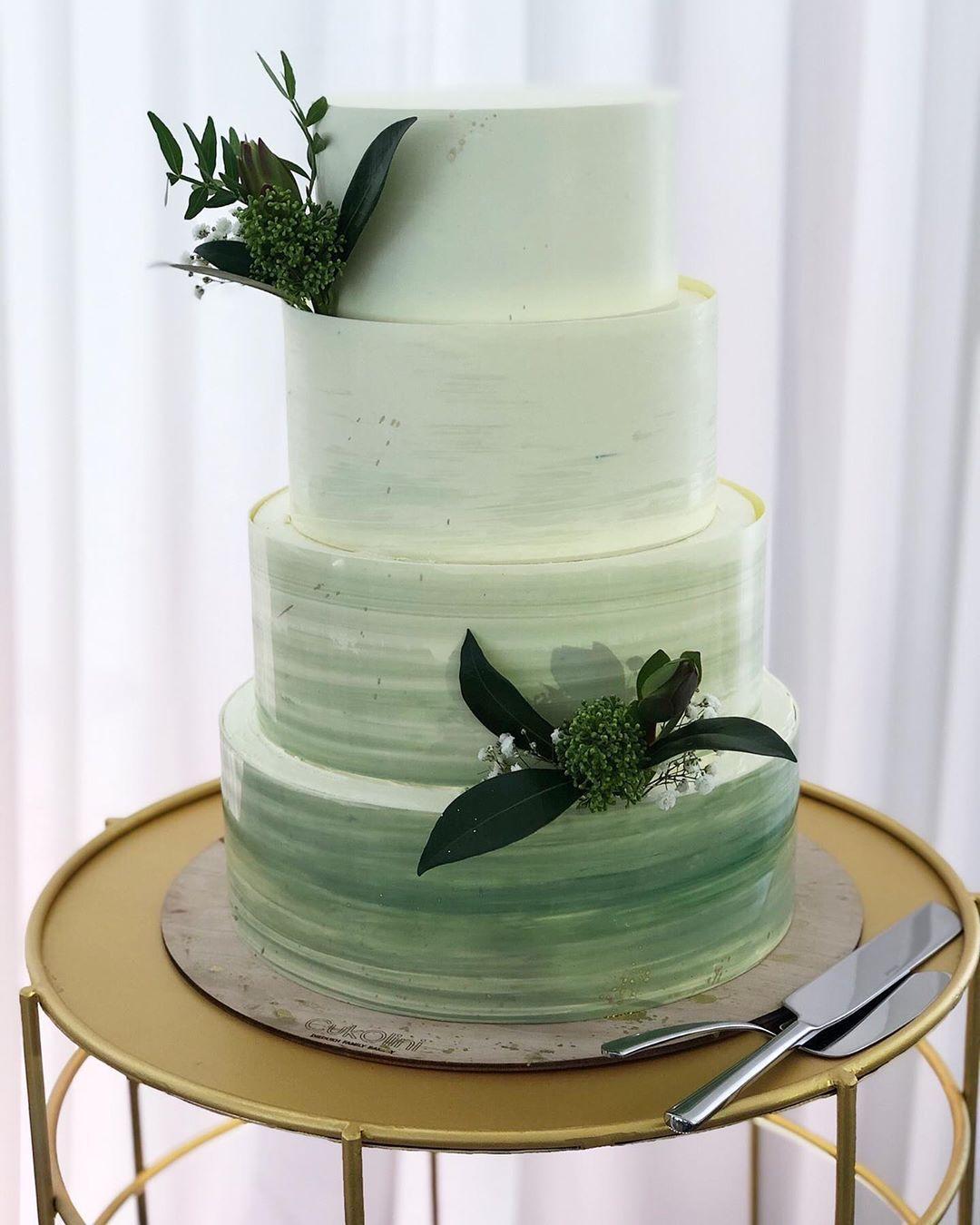"Світлана on Instagram: ""@cukolini.bakery #cukolini #weddingcake #cakewedding #cakelover #cakeart #cakegram #frenchcake #весіллярівне #кендібаррівне"""