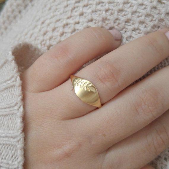 Gold Leaf Signet Ring Gold Wedding Band For Women Unique Etsy Wedding Rings Unique Unique Gold Wedding Bands Gold Signet Ring