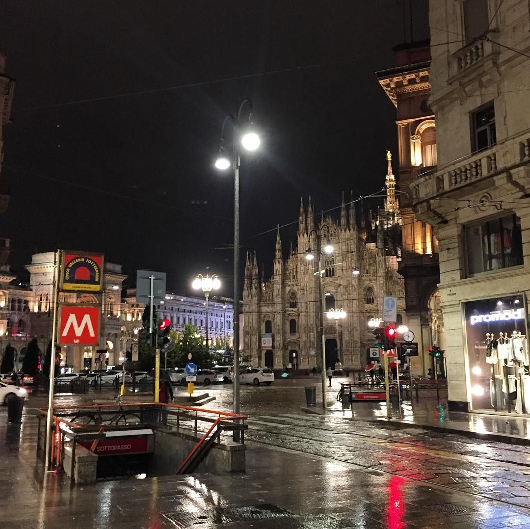 Piazza del Duomo (da Via Torino) 11/05/2016 #duomo #milano #duomodimilano #milanodavedere #milanocity #milanocityufficiale #ig_milano #igersmilano #vivomilano #visitmilano #lombardia #ig_lombardia #igerslombardia #vivolombardia #visitlombardia by kika_vega