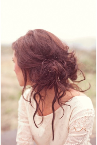 My messy hair attempt always ends up looking like crazy hair. I wish I could do THIS.