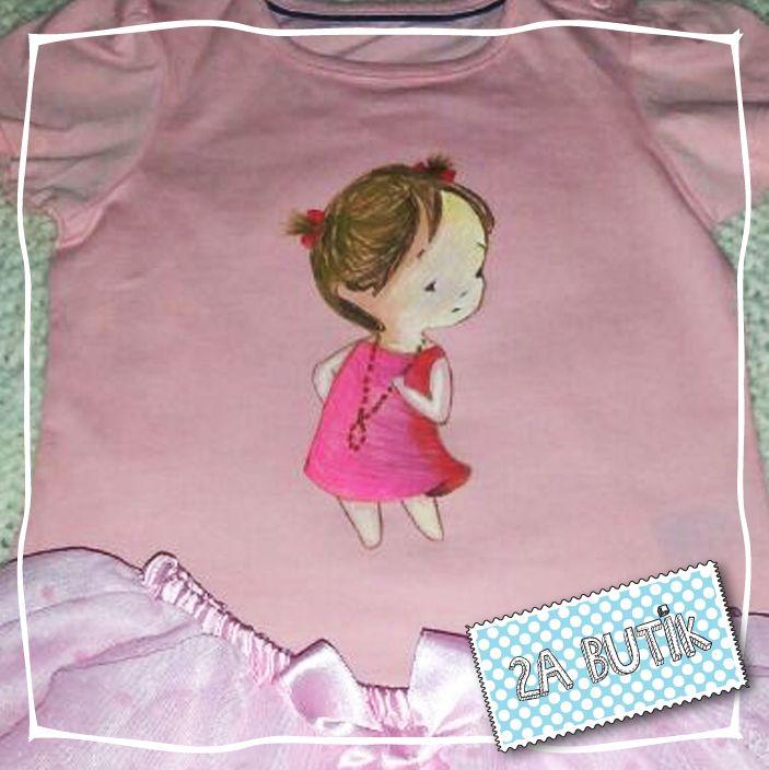 Minik prensesimiz utangaç arkadaşını çok sevdi    Siparişleriniz ve tüm diğer sorularınız için: 2abutik2a@gmail.com