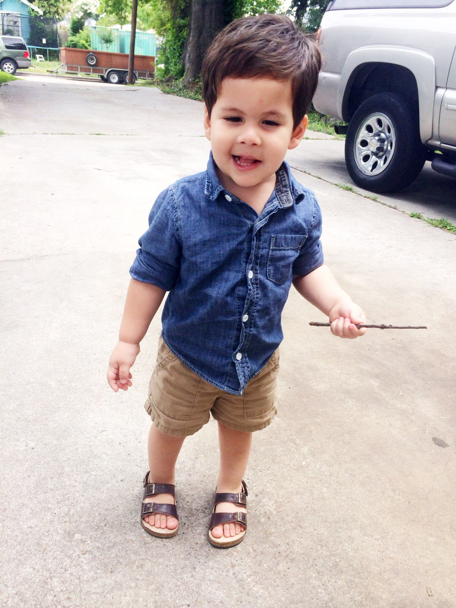 Toddler Boy Summer Outfit. Crazy 8 Chambray button down, ON Cargo Shorts, ON Sandals.