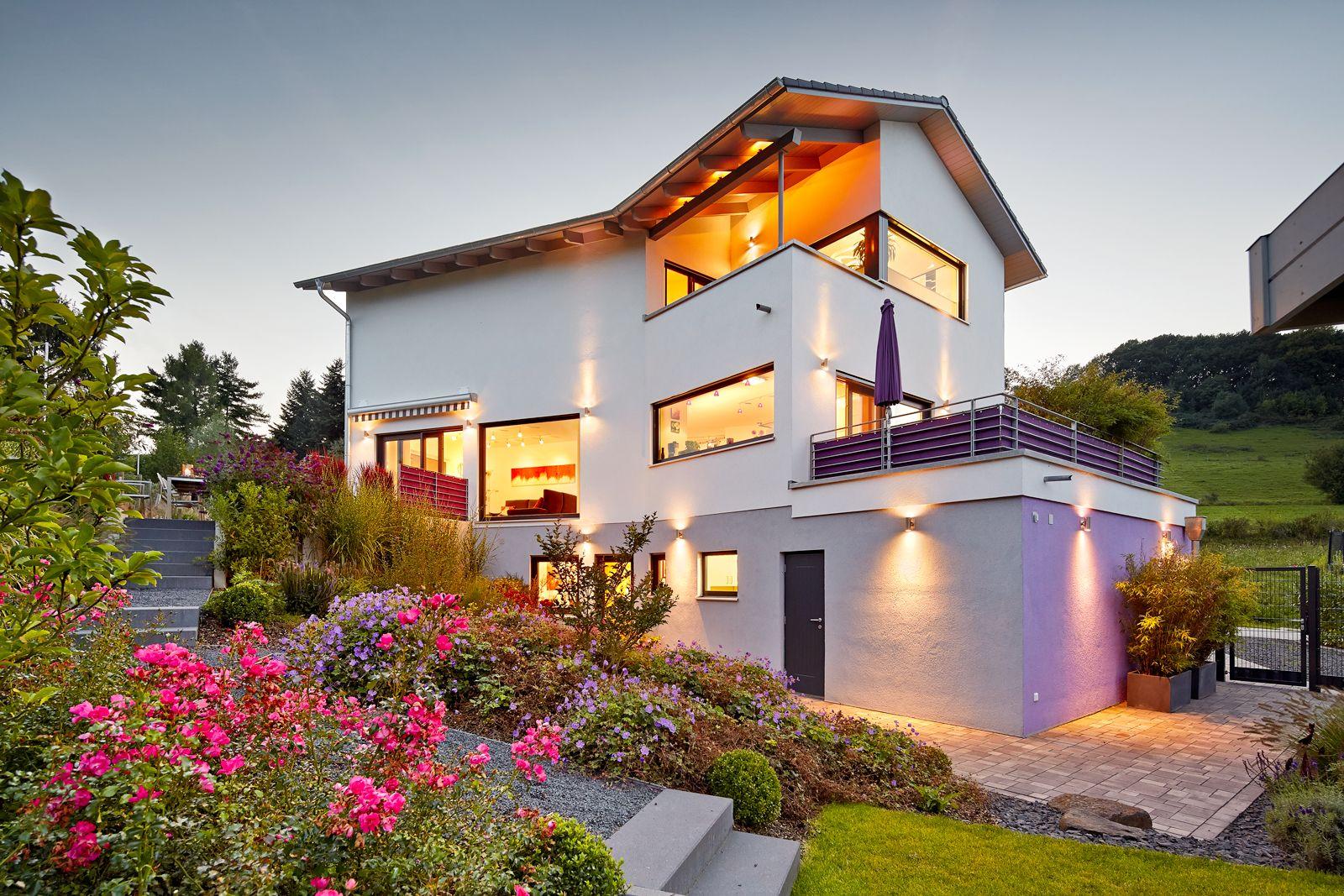 Satteldach Landhaus 129 An Diesem Haus Erkennt Man Deutlich Die ... Terrasse Im Garten Herausvorderungen