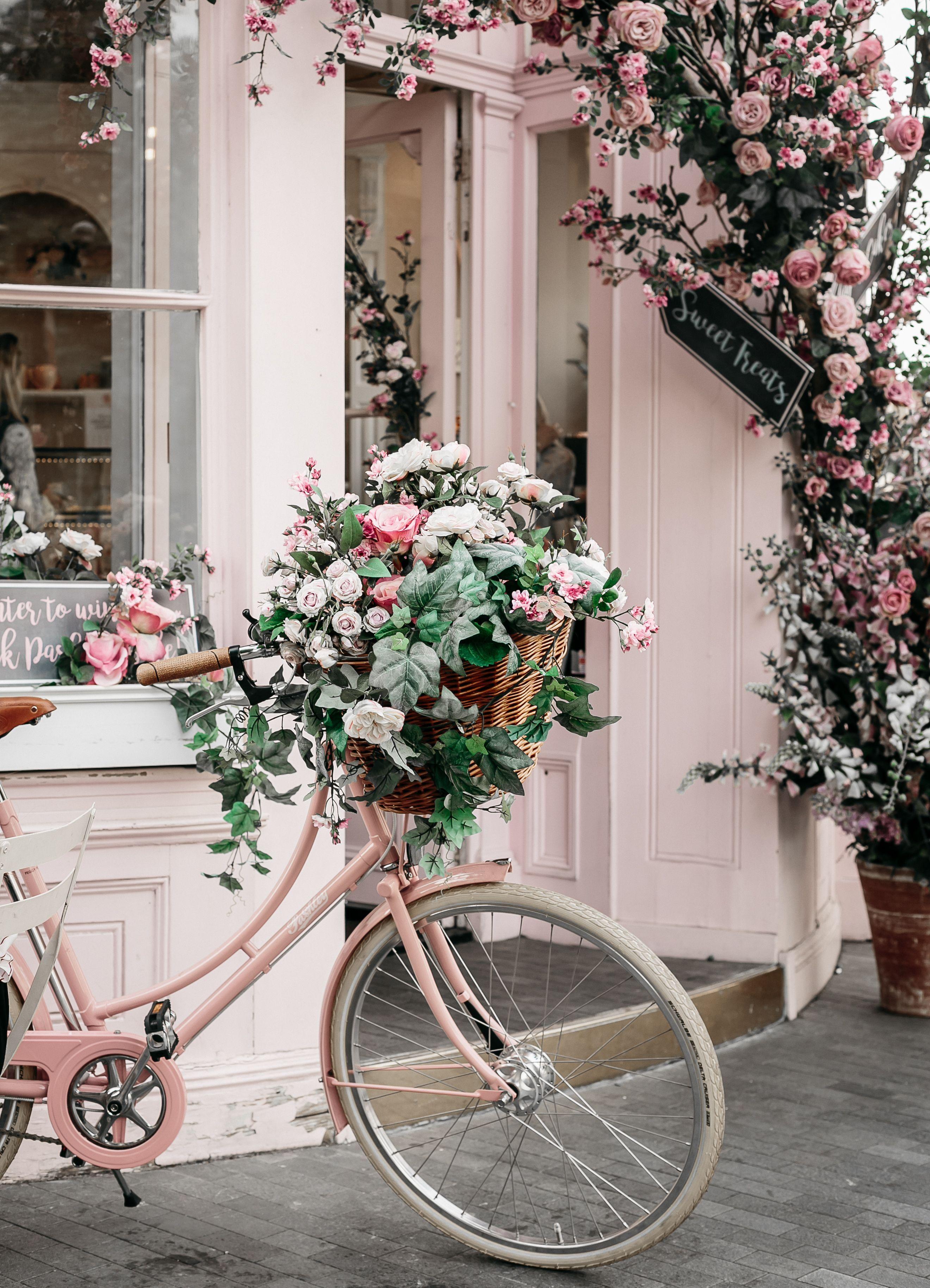 Peggy Porschen Cakes Elizabeth Street Belgravia London In 2020 Flower Aesthetic Pastel Pink Aesthetic Photo Wall Collage