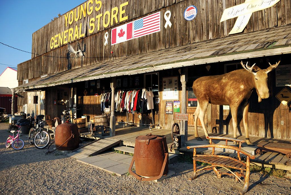 Young's General Store, Wawa Best Gift Shop, Ontario