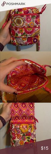 Vera Bradley cross body purse small, perfect for traveling, lots of pockets (sto…