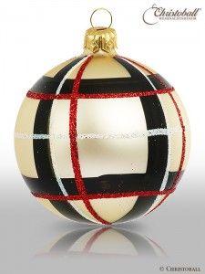 Tartan Karo Weihnachtskugel Burberry S Style Via Www Christoball De Tartan Christmas Christmas Tree Decorations Christmas Ornaments Gifts