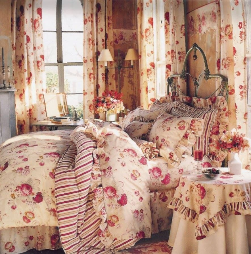 Pin By Deanna Rabe On Shabby Chic Cottage Favs Rose Bedroom Bedroom Vintage Wallpaper Bedroom Vintage