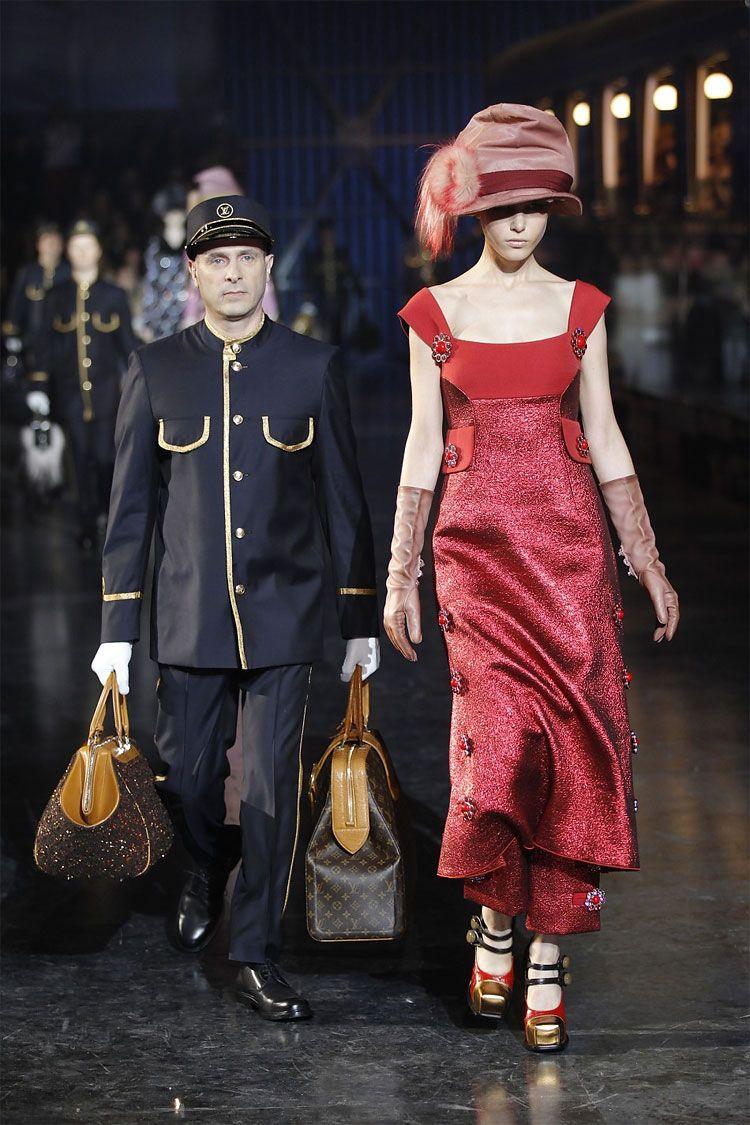 Communication on this topic: Sarah hunter, magdalena-frackowiak-louis-vuitton-fw-2009-fashion/