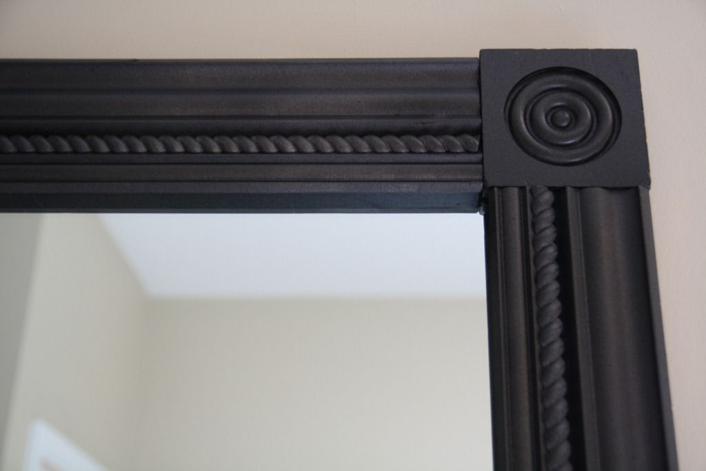 Crown molding with square molding corners to frame bath