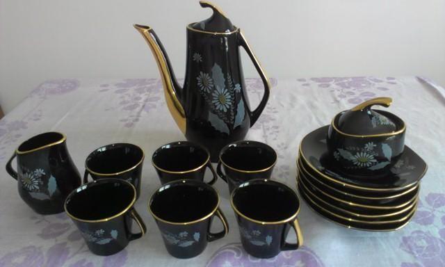 Czarna porcelana CHODZIEŻ porcelanowy serwis kawowy z kwiatami
