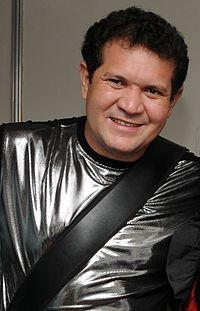 Chimbinha , Ooo Divo \\õ     Cledivan De Almeida Farias, mais conhecido como Chimbinha (Belém, 12 de fevereiro de 1974), é um guitarrista, produtor e compositor brasileiro.