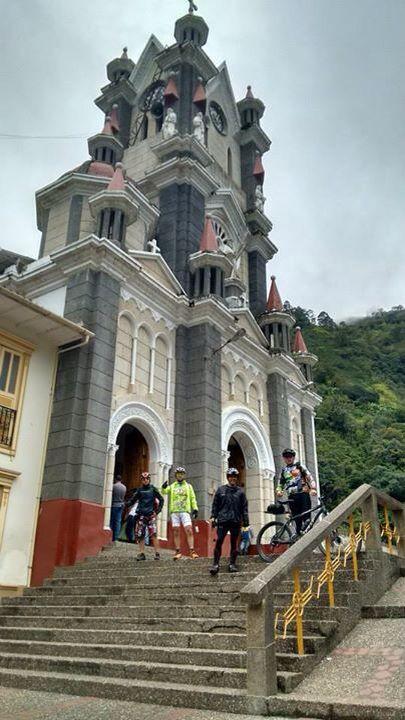 Iglesias de los pueblos de Antioquia