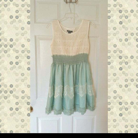 Gracia Mint and Ivory Eyelet Lace Dress M So romantic and vintage with a stretchy waist that's so flattering on! Fits tts. Gracia Dresses