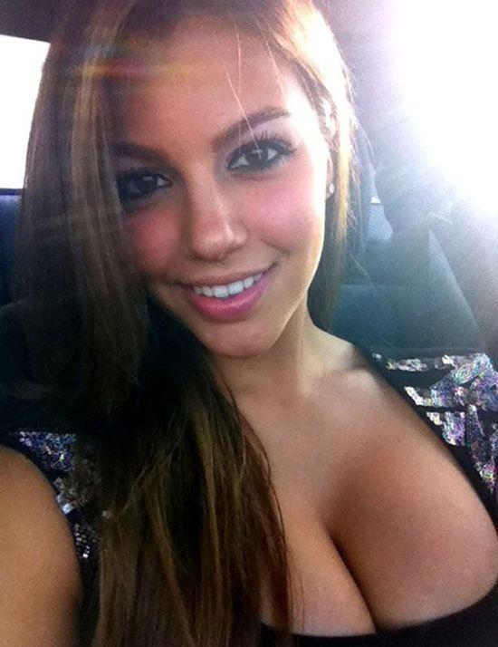 hot big boob brunette
