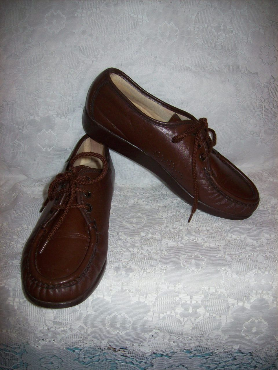 Vintage Ladies Brown Leather Oxfords Granny Shoes by SAS Size 7 Only 6 USD by SusOriginals on Etsy
