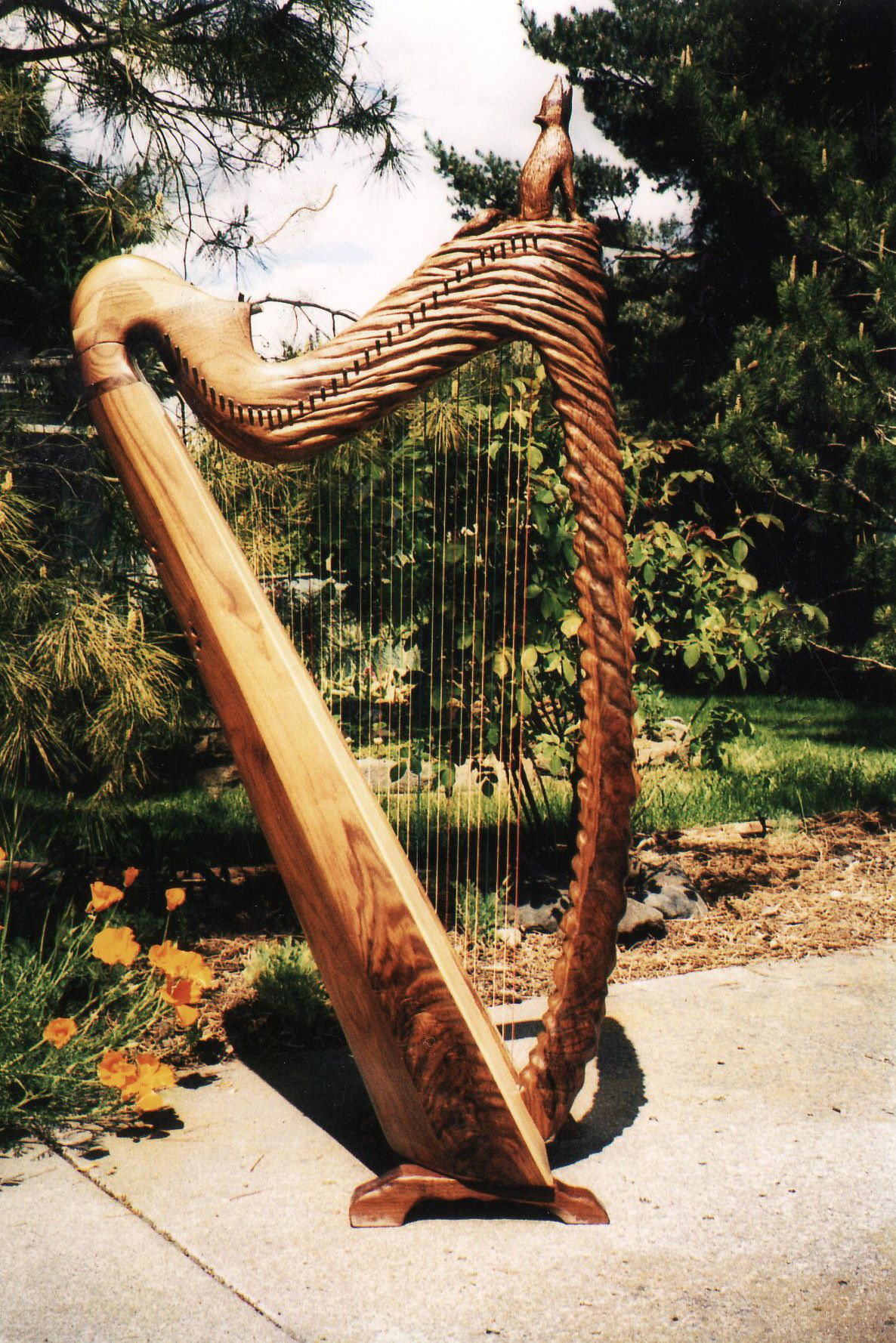 Custom built and hand carved harp by Glenn J Hill of Mountain Glen Harps, Phoenix, Oregon