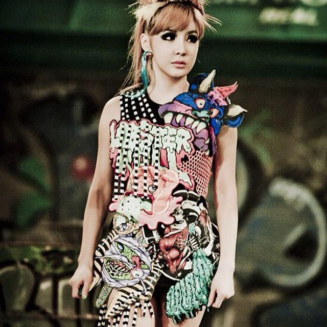 :: @haroobommi Park Bom's promotional photoshoot for 'UGLY' music video. | HQ (July 27, 2011) - #박봄 #투애니원 #2NE1 #ParkBom