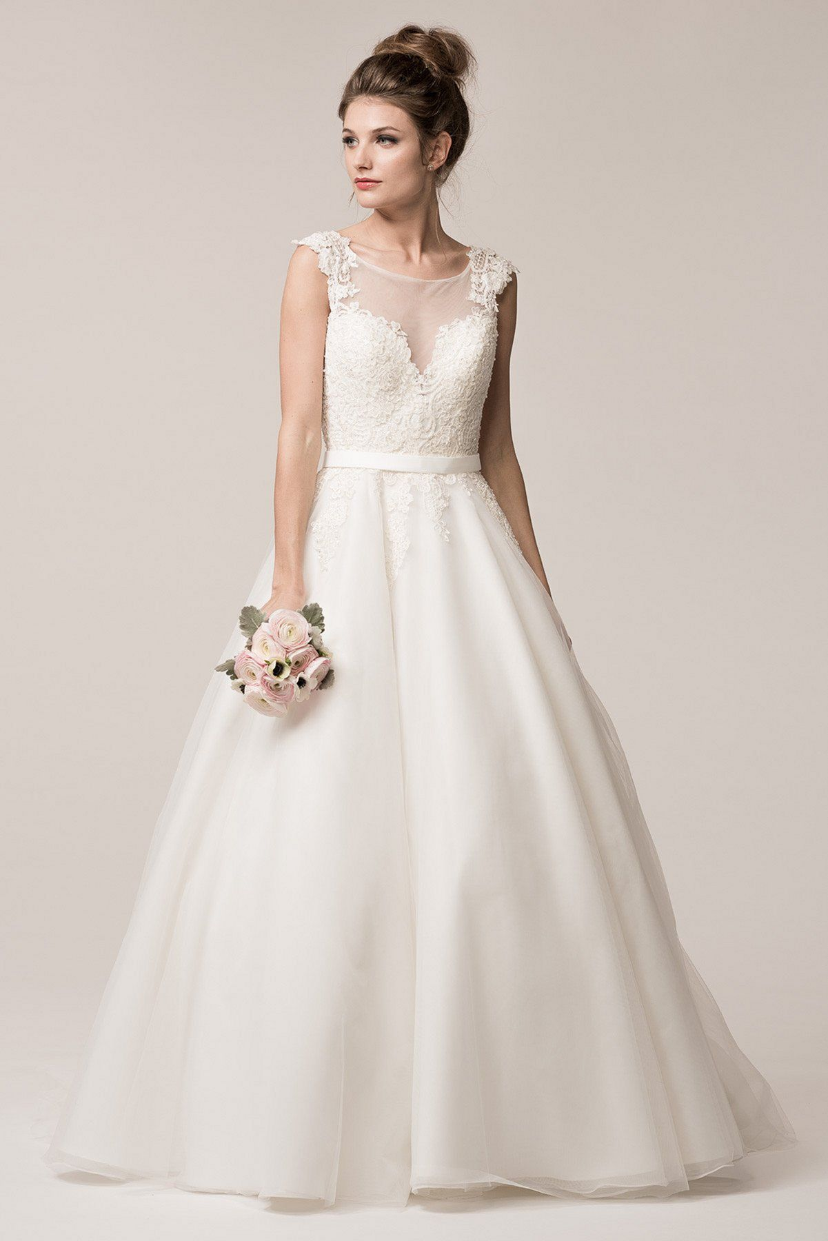 20 princess ball gown wedding dresses that look more