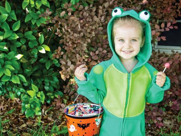 Hoodie Halloween Costume Frog Makeup tricks, Trick pictures and - halloween costumes ideas