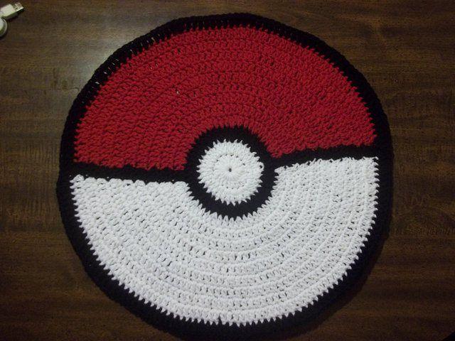 Crochet Pokeball rug! | Crochê | Pinterest | Alas y Trapillo