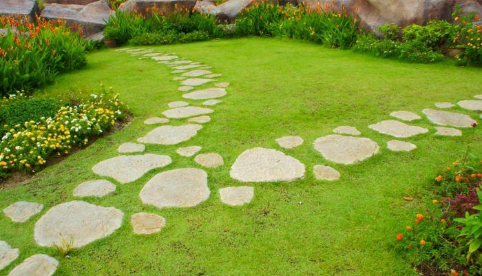 Gartensteine - Ideen, wie Sie dem Garten einen schönen Look durch Steine verleihen #steppingstonespathway