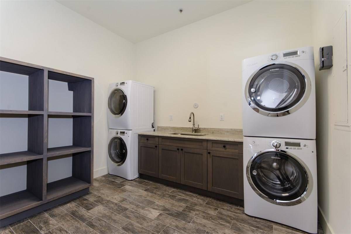 Sunset West Farm In Wellington Florida Stable Laundry Luxury