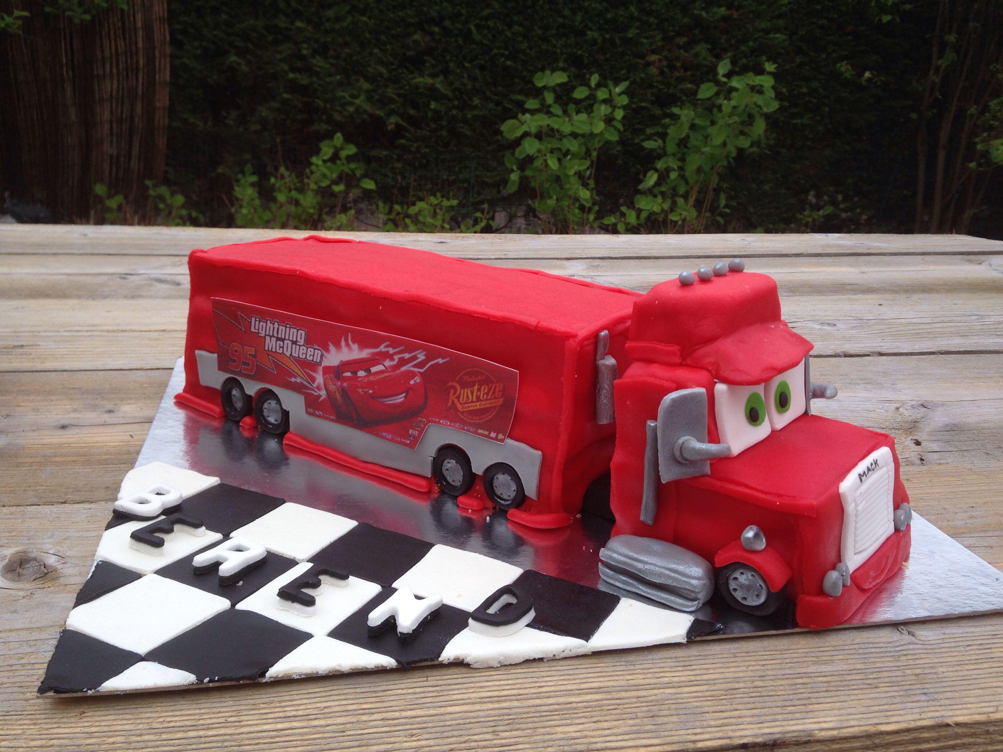 Cars mack cake kujutordid birthday cake mcqueen cake - Flash mcqueen et mack ...