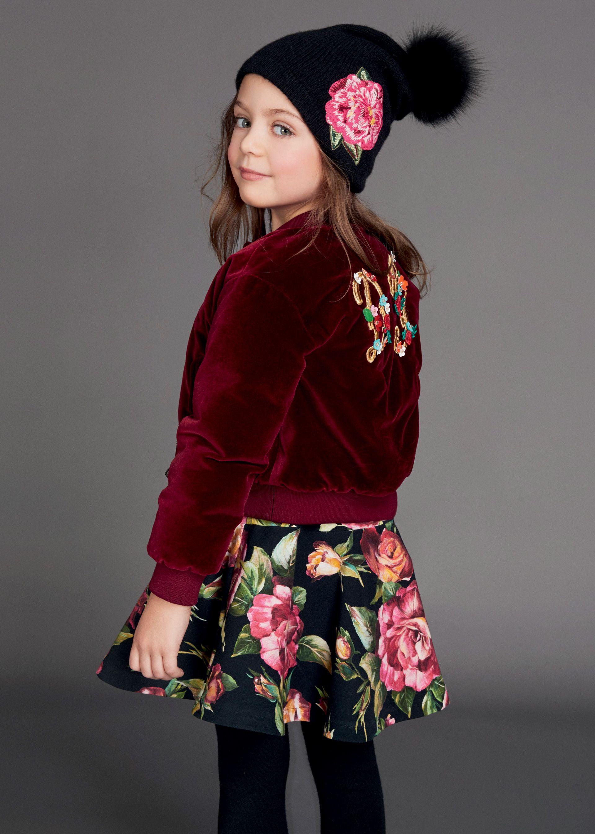 Scopri Dolce   Gabbana Collezione Bambino Autunno Inverno 2017-18 Bambina e  lasciati ispirare. 35c5da9ae71