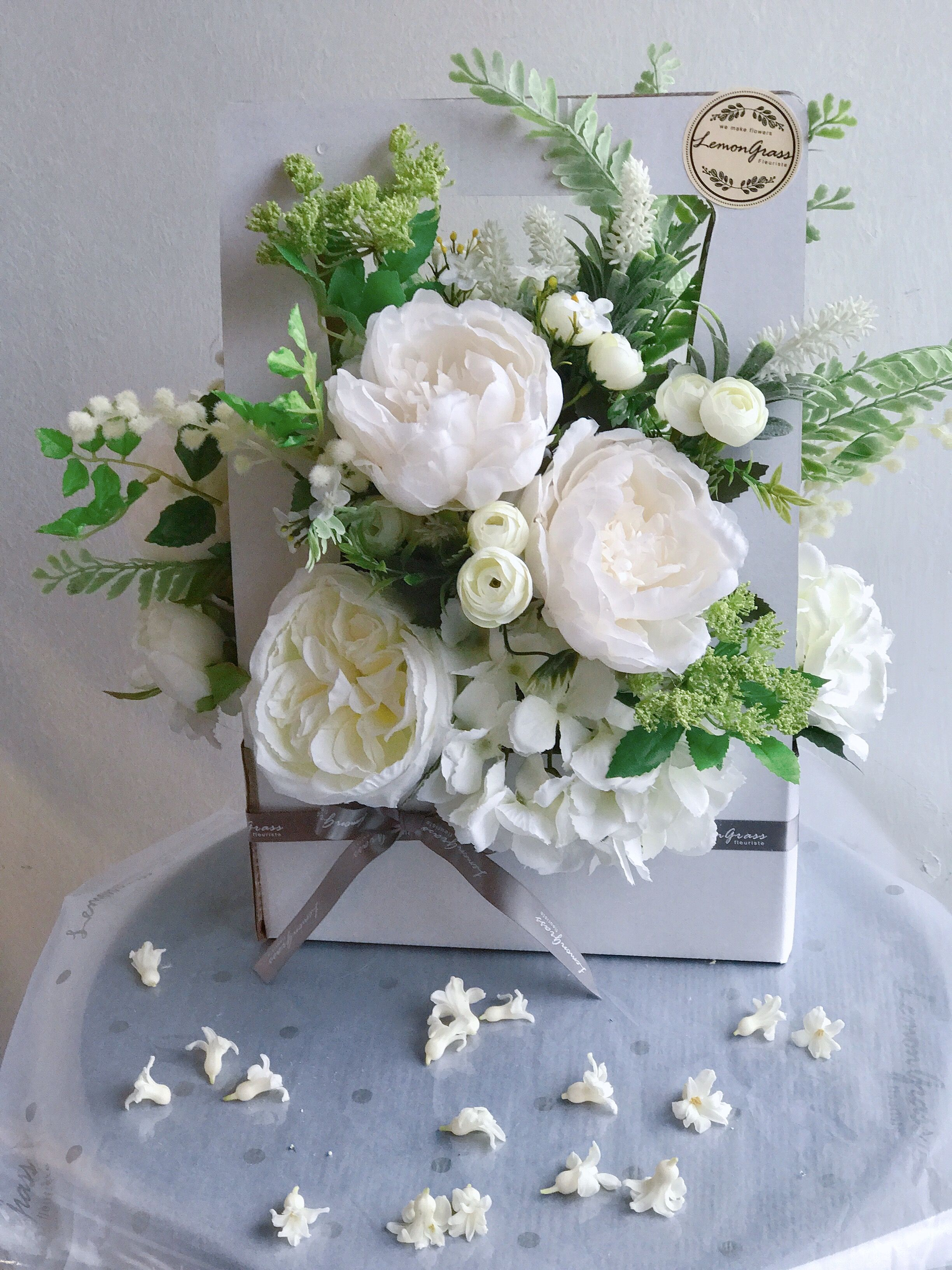 A Gift Of Flowers Lemongrassflower Flower Florist Flowershop