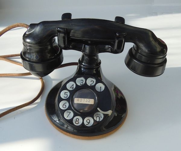 102 Model Telephone Was Invented By The Company Western Electric This Is
