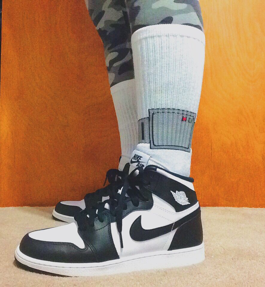 Black And White Retro Jordan 1s House Arrest Ankle Bracelet Socks From 40s Shorties