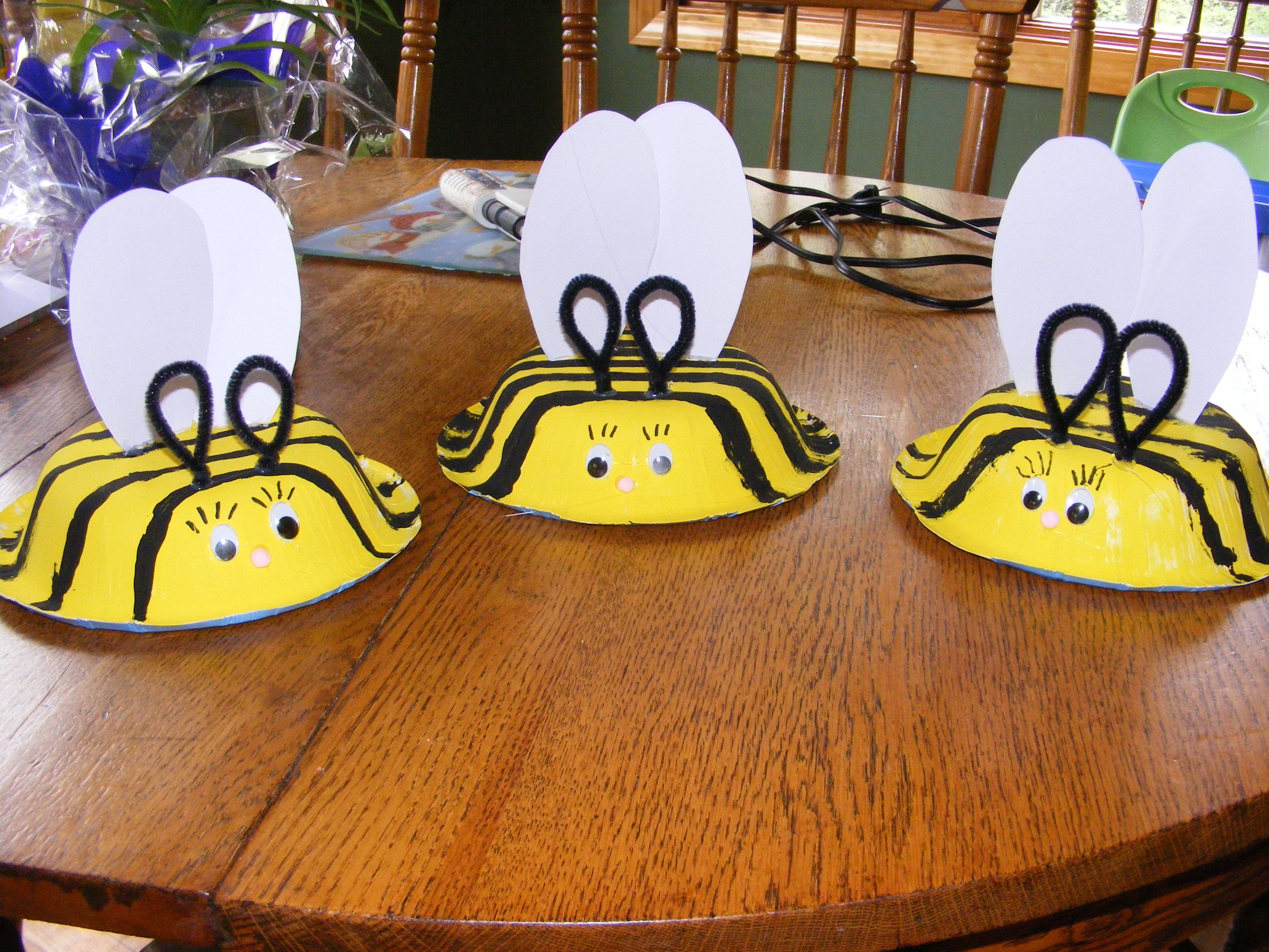 Craft bumble bee - Bumblebee Hats Paint A Paper Bowl Yellow And Add Black Stripes Cut Out Wings