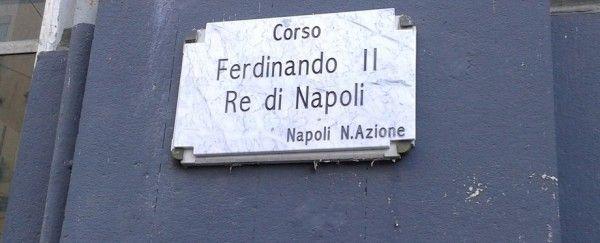Napoli: un gruppo di attivisti, durante la notte cambia la toponomastica della citta'.