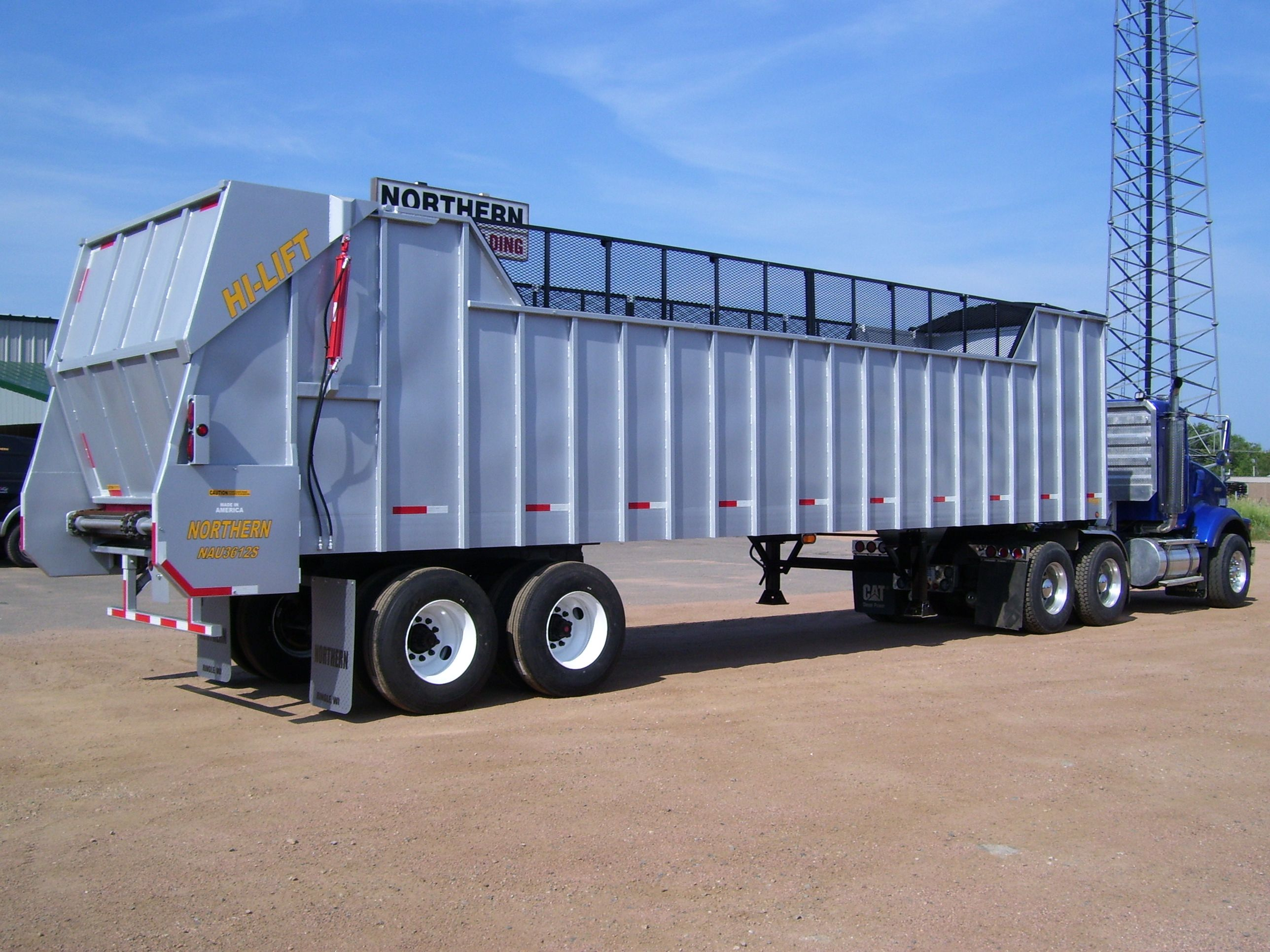 We manufacture high end u s made self unloading trailers drop deck trailers flat bed trailers silage tables tankers dump boxes and more