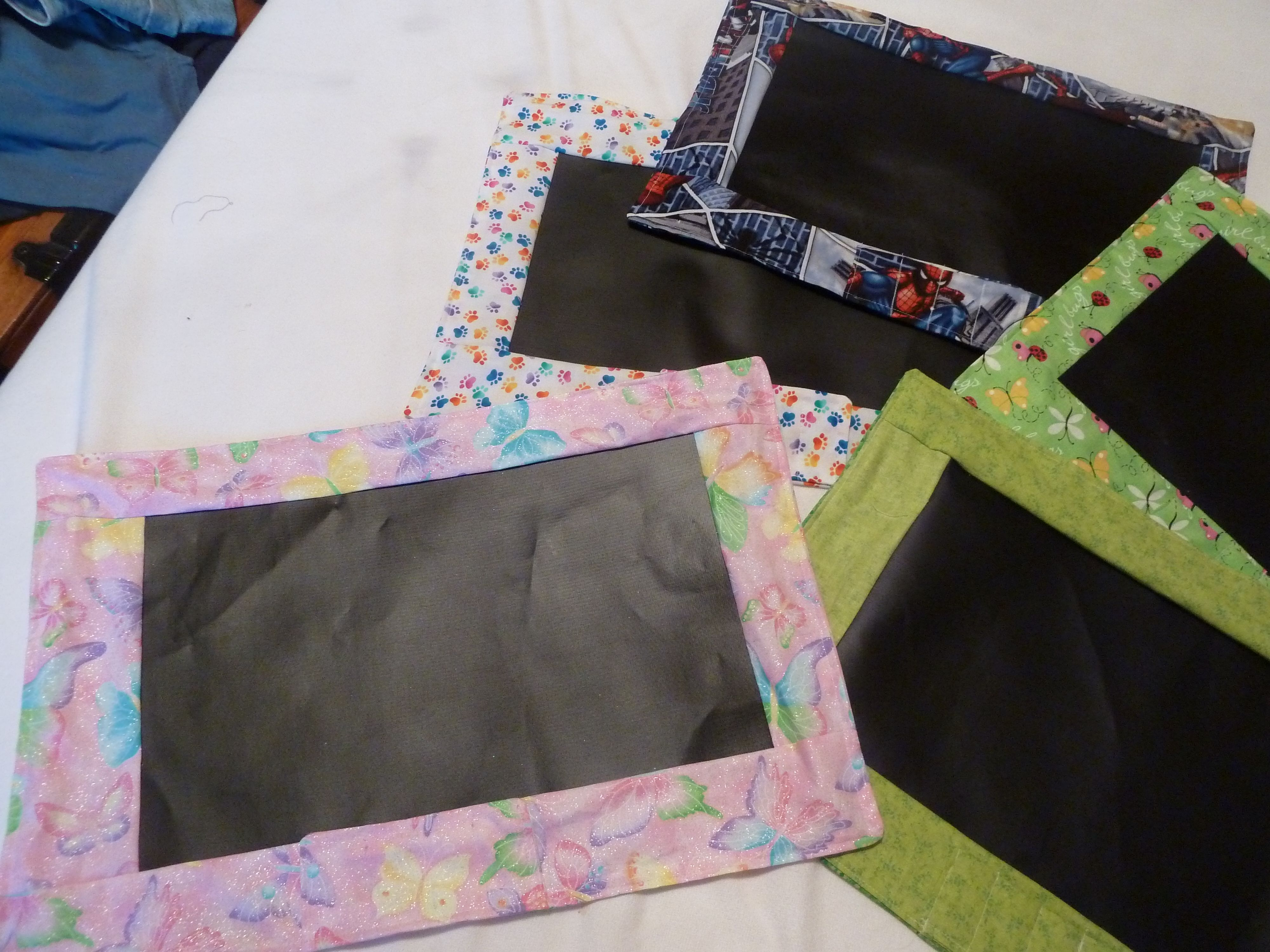 These Are Chalkboard Placemats For Children Easy To Make With Chalkboard Fabric Chalkboard Fabric Fabric Projects Chalkboard Placemats