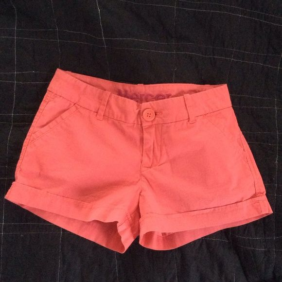 """NWOT Salmon Shorts (Never been worn) Super cute salmon pink shorts! """"Mercer"""" fit from Delia's. Excellent condition. Never been worn. Chino-style fit. 98% cotton, 2 % spandex. Shorts"""