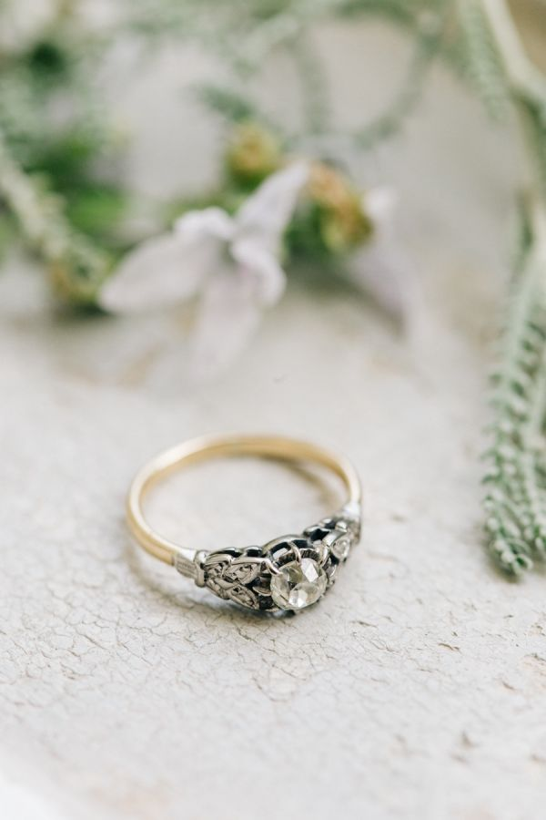 Vintage-inspired gold band engagement ring: http://www.stylemepretty.com/2015/11/17/fashionable-english-garden-wedding-at-barnsley-house/ | Photography: M and J Photos - http://www.mandjphotos.com/#photo-4453