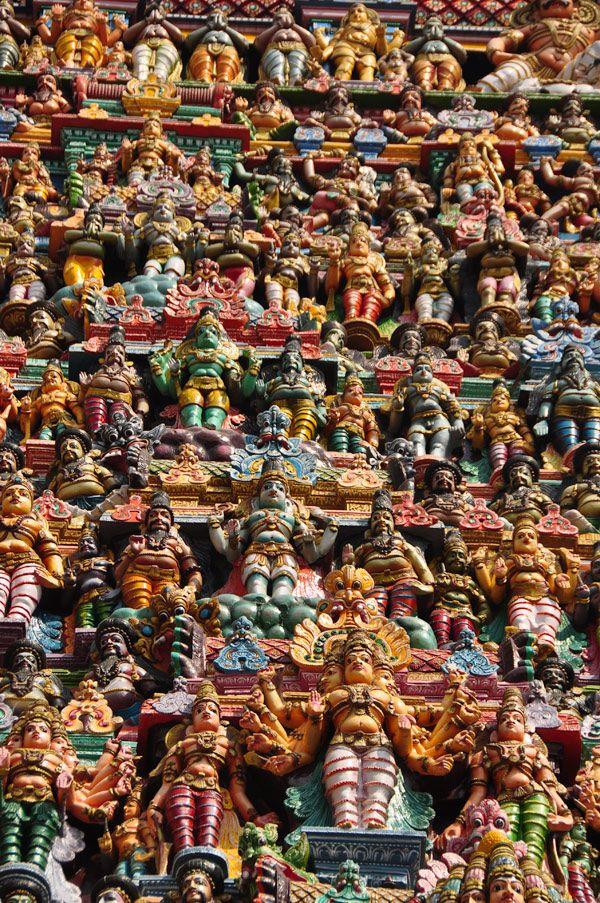 http://www.vedicodyssey.com/images/adventures/1204_south_india/madurai/madurai_meenakshi_temple_tower.jpg